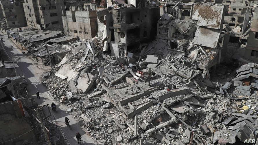 آثار الدمار في مدينة دوما في الغوطة الشرقية
