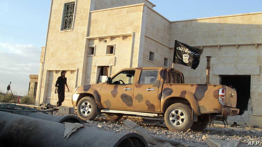آلية تابعة لمقاتلين إسلاميين في شمال سورية