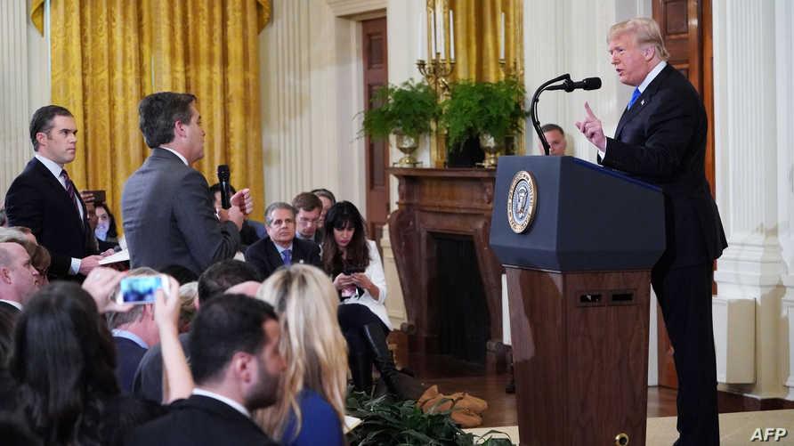 الرئيس ترامب خلال السجال مع مراسل سي أن أن جيم أكوستا