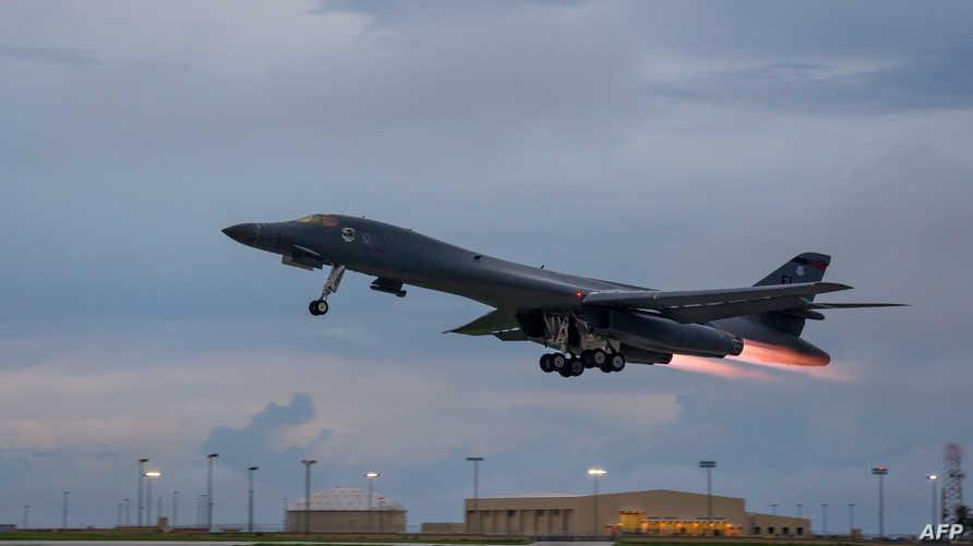 طائرة عسكرية أميركية تقلع من قاعدة في غوام - أرشيف