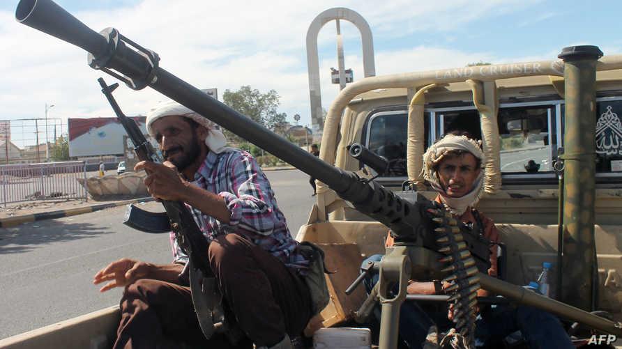 مسلحون مؤيدون للرئيس عبد ربه منصور هادي