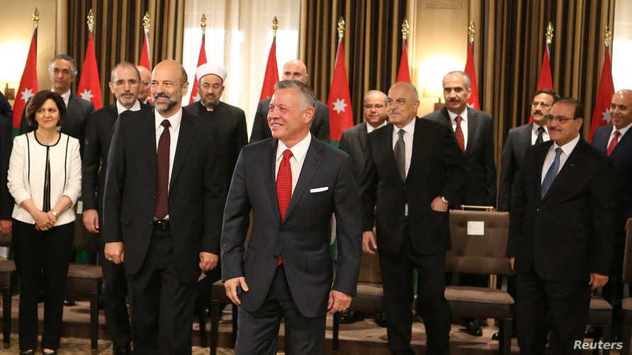 حكومة الدكتور عمر الرزاز بعد حلفان اليمين أمام الملك عبدالله الثاني. أرشيفية