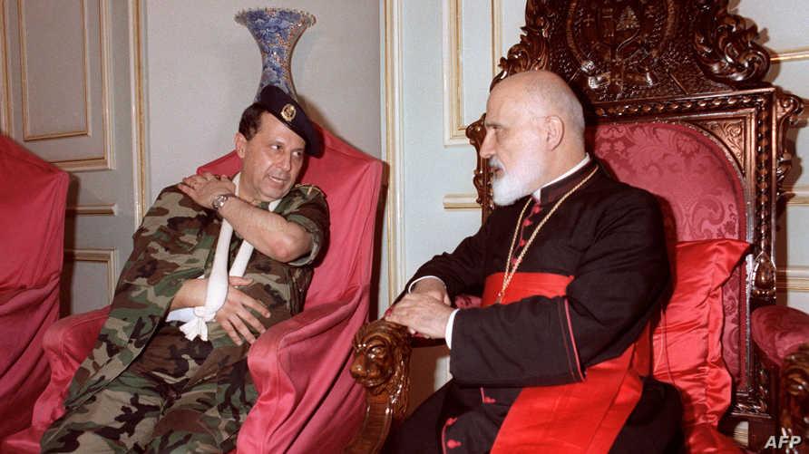 عون خلال لقاءه بالبطريرك الكاردينال نصر الله صفير