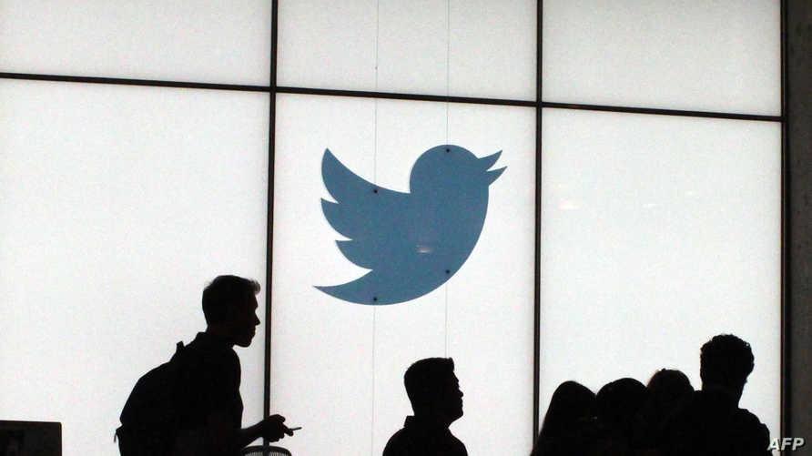 تقول تويتر إن آلاف الحسابات في مصر والسعودية تتلقى توجيهات من الحكومتين هناك