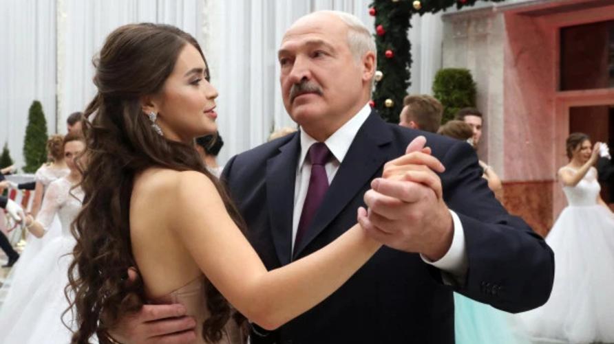 رئيس بيلاروسيا أليكساندر لوكاشينكو وصديقته ماريا فاسيليفيتش