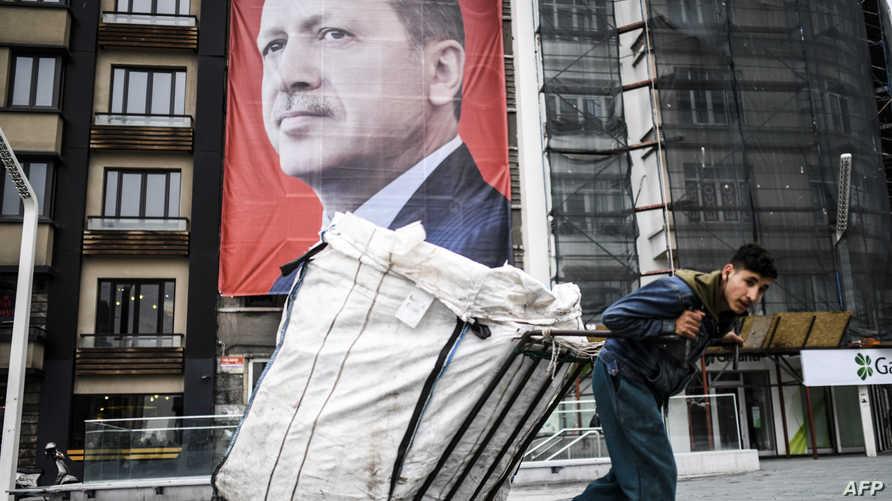 هدف الرئيس التركي ببساطة هو إعطاء الجنسية التركية لأتباعه الأغنياء من غير الأتراك