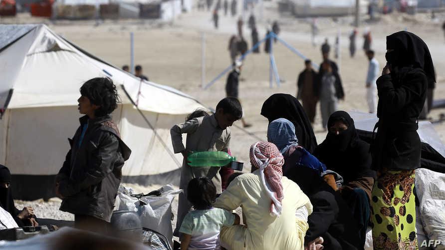 عراقيون فروا من الحرب على داعش في الموصل