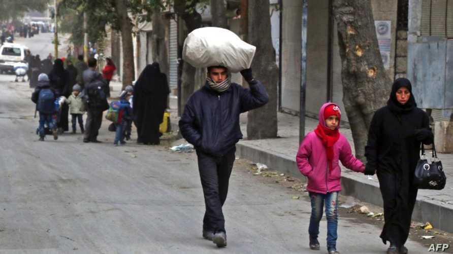 قاطنون في حلب الشرقية