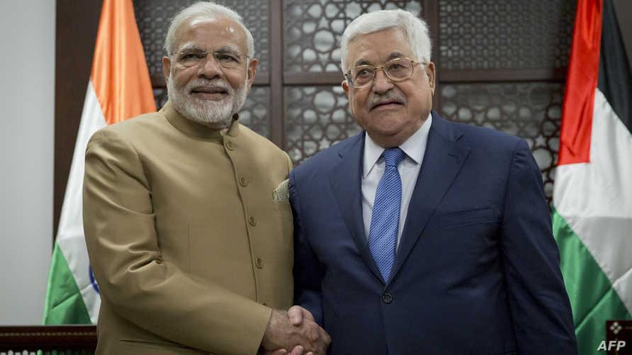 عباس في استقبال مودي