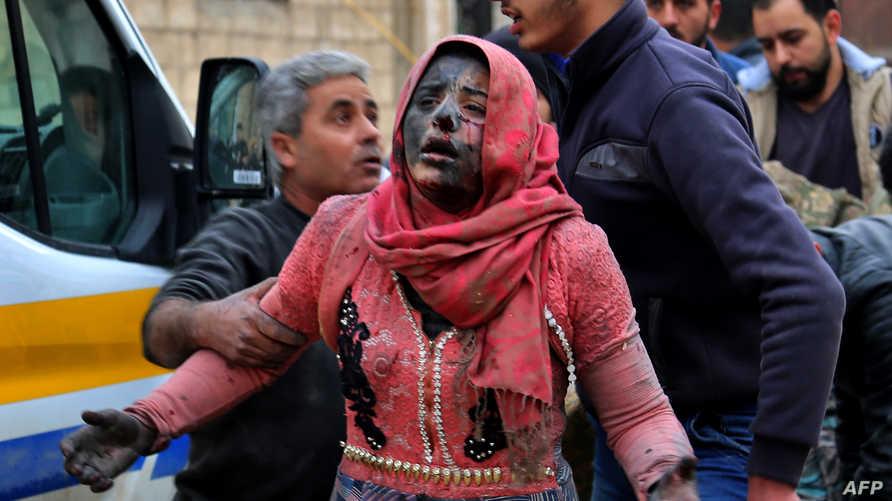 جريحة نتيجة قصف طال خان شيخون في إدلب