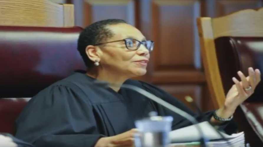شيلا عبد السلام أول قاضية مسلمة في الولايات المتحدة
