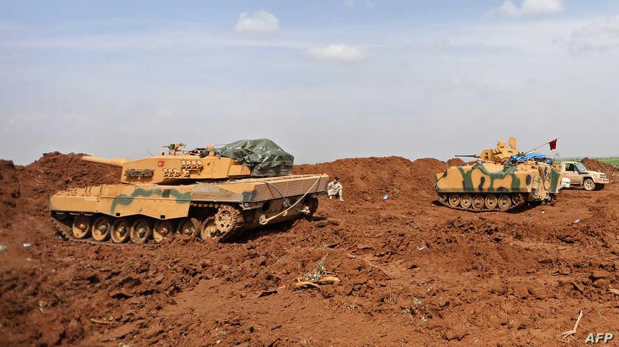 دبابات تركية بالقرب من مناطق الأكراد في شمال سوريا