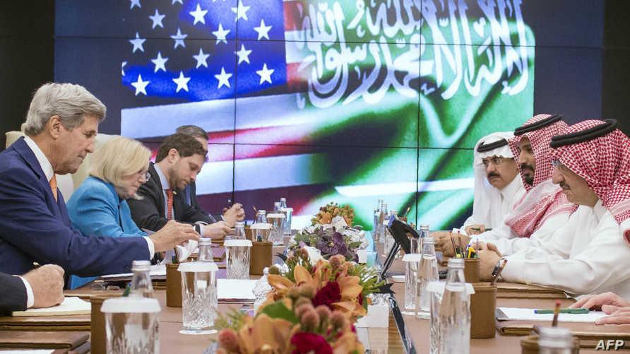 اجتماع كيري مع مسؤولين في السعودية