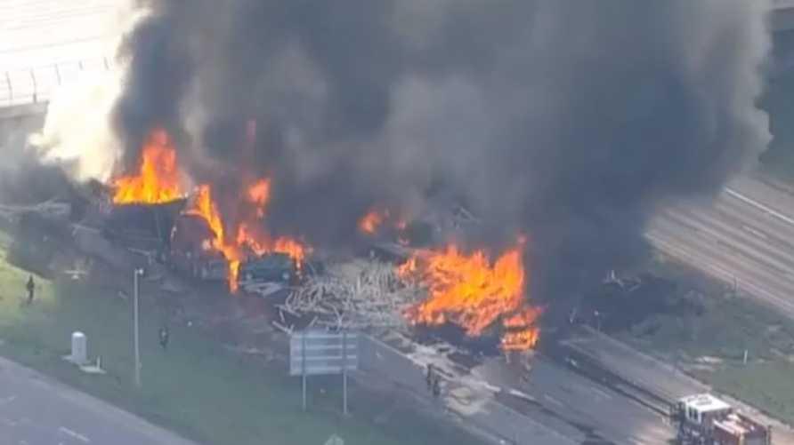 صورة من تويتر لحادث كولورادو