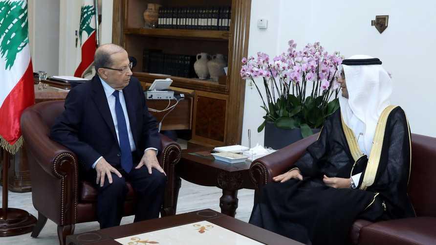 ميشال عون خلال لقاء مع القائم بالأعمال السعودي وليد البخاري