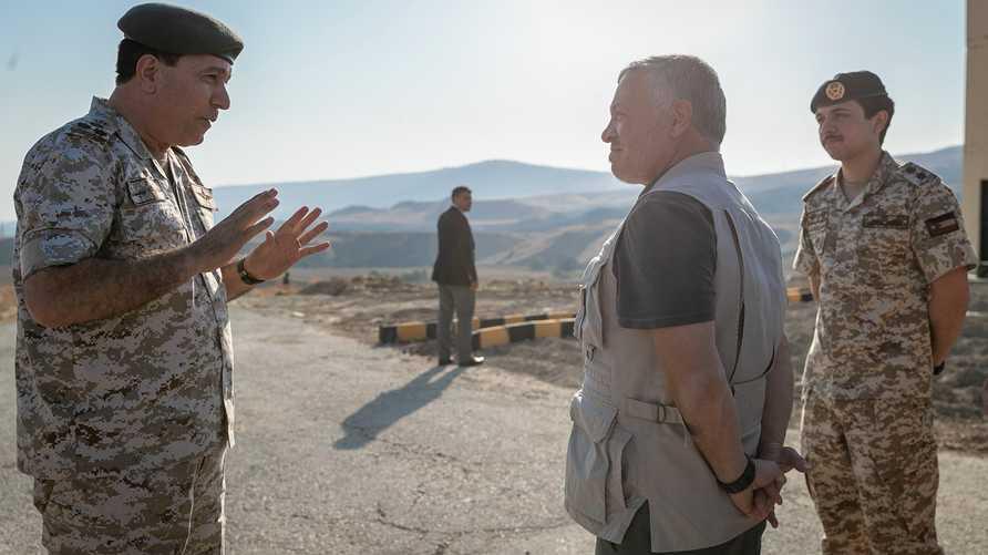 العاهل الأردني في زيارته إلى الباقورة يرافقه ولي العهد