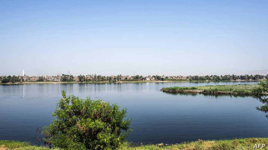 مشهد لنهر النيل من مدينة الأقصر، جنوب مصر