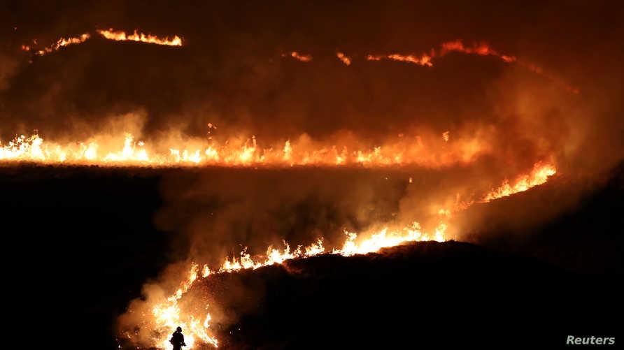 حريق نشب في سادلوورث مور بمنطقة مانشستر الكبرى