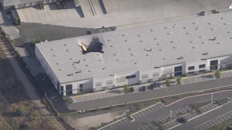 موقع سقوط الطائرة في كاليفورنيا