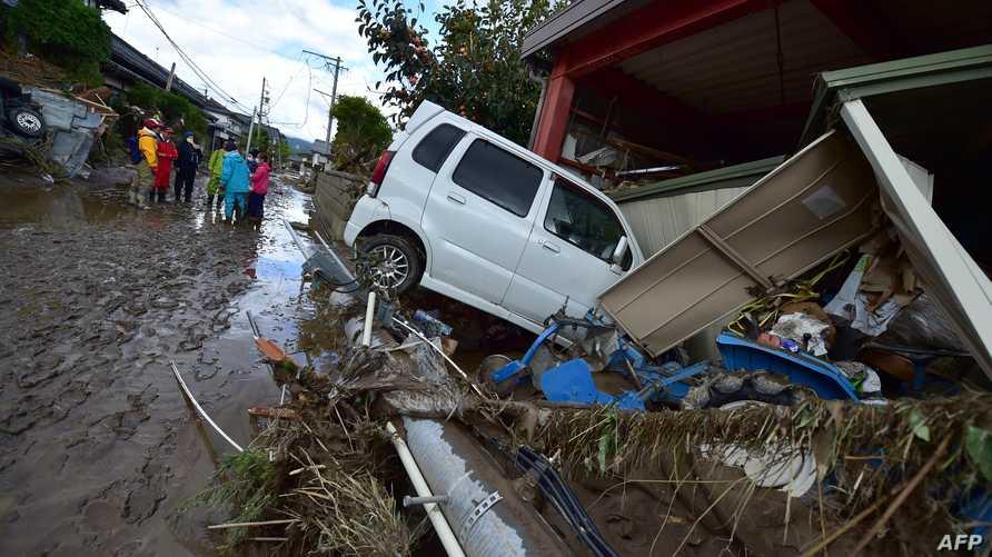 ارتفعت مستويات المياه وداهمت المنازل والشوارع