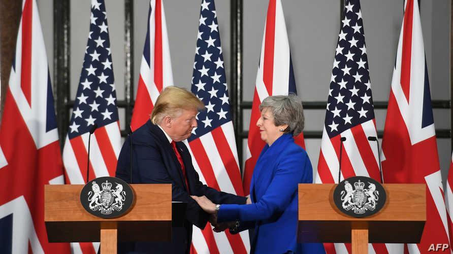 الرئيس دونالد ترامب خلال المؤتمر الصحافي مع رئيسة الوزراء البريطانية تيريزا ماي
