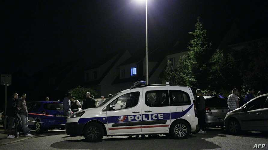 الشرطة الفرنسية في موقع مقتل الشرطي