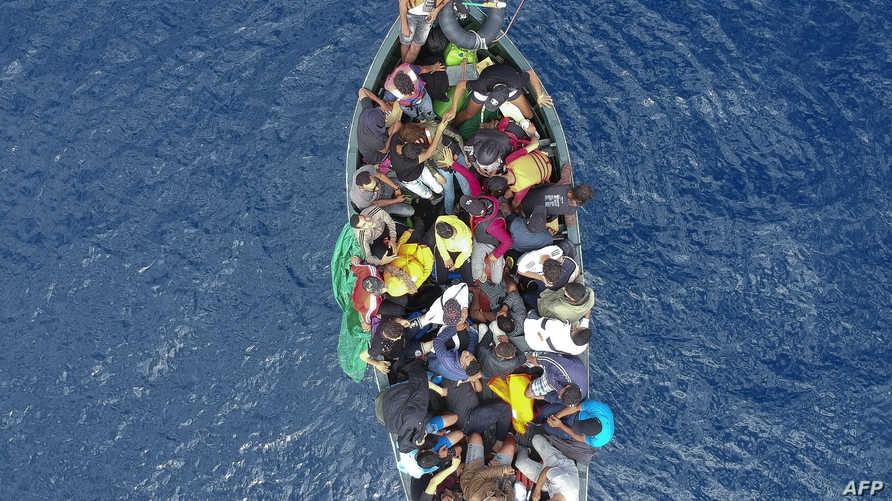 أحد قوارب الموت