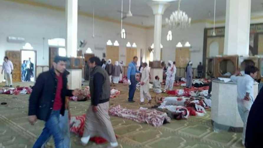 صور تداولتها مواقع التواصل الاجتماعي لضحايا الهجوم في المسجد