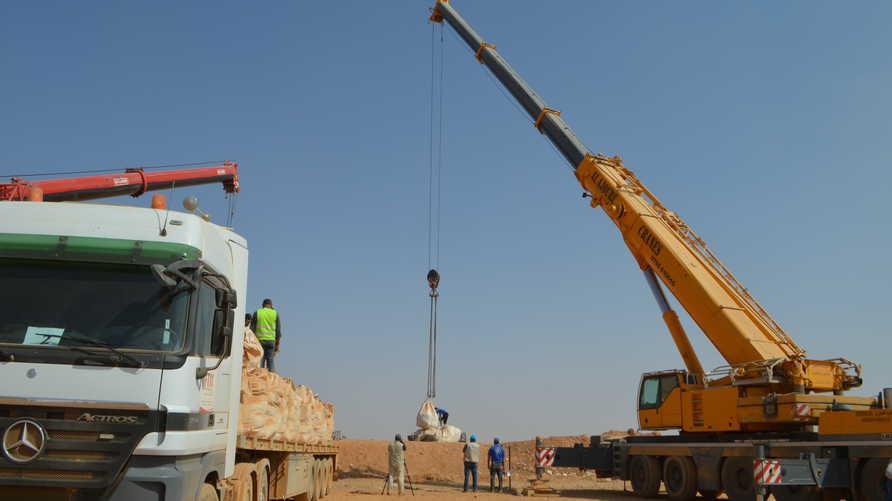 وصول المساعدات الإنسانية للعالقين السوريين على الحدود الأردنية