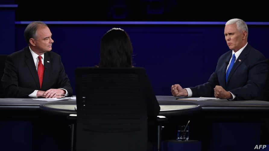 خلال المناظرة بين المرشحين لمنصب نائب الرئيس تيم كاين ومايك بنس