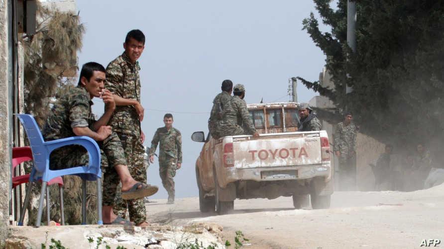 عناصر في القوات النظامية السورية في حلب