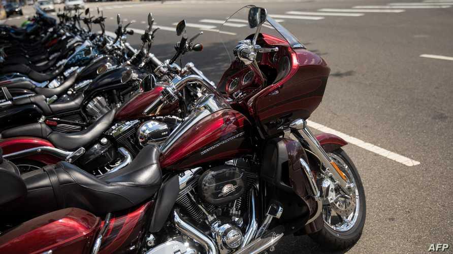 مجموعة من دراجات هارلي النارية