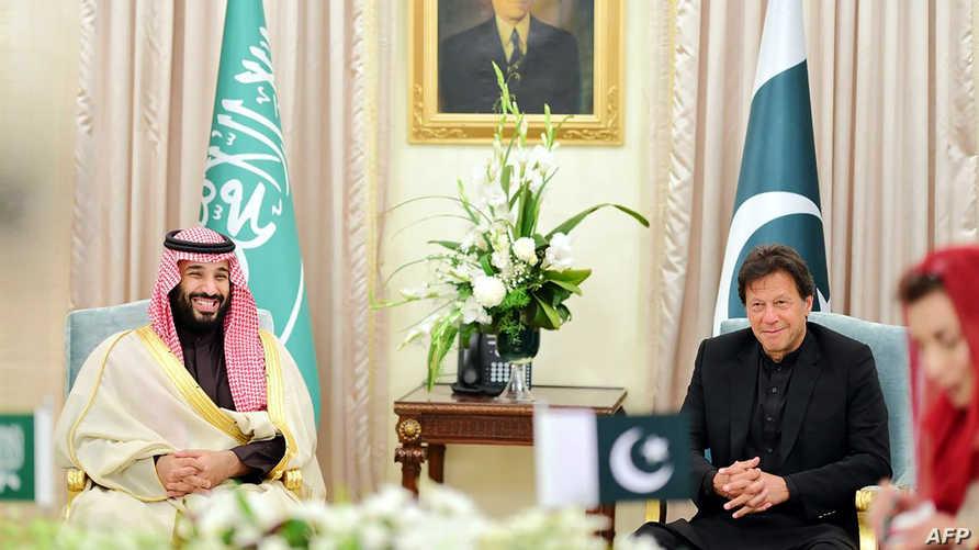 ولي العهد السعودي في لقاء مع رئيس الوزراء الباكستاني