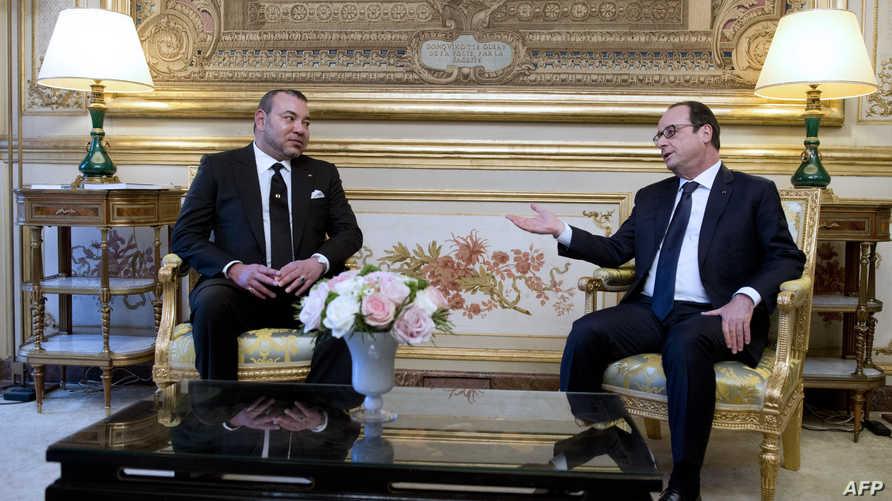 الرئيس الفرنسي فرانسوا هولاند يستقبل ملك المغرب محمد السادس في باريس