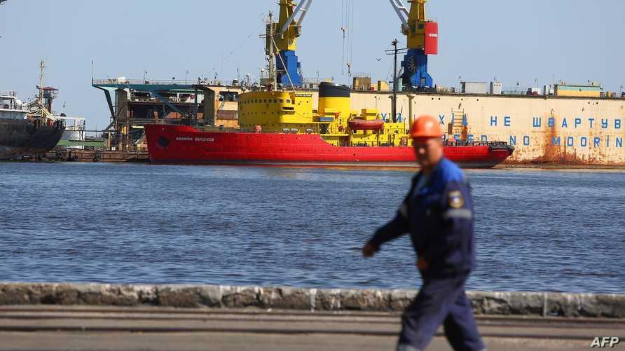 ميناء ماريوبول المطل على بحر آزوف