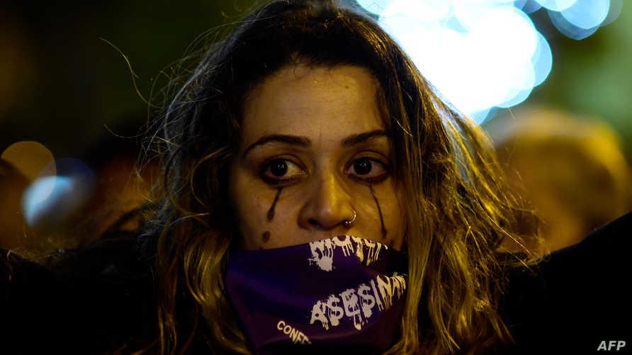 تكرار الشعارات في اليوم العالمي للمرأة دعا البعض للتساؤل حول الجدوى الفعلية لهذه الفعالية على أرض الواقع