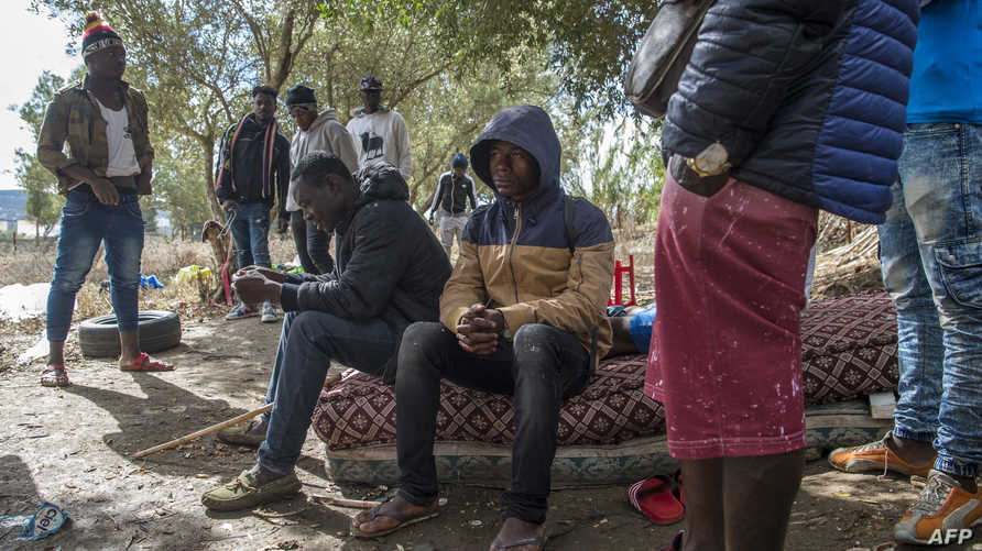 مهاجرون يتم تهريبهم إلى أوروبا عن طريق المغرب