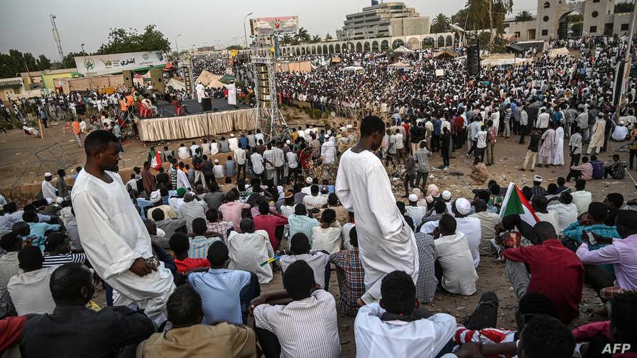 جانب من اعتصام وزارة الدفاع في السودان
