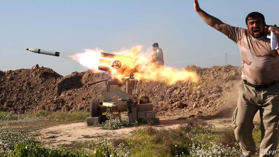 عناصر في الحشد الشعبي خلال مواجهات مع داعش جنوب كركوك