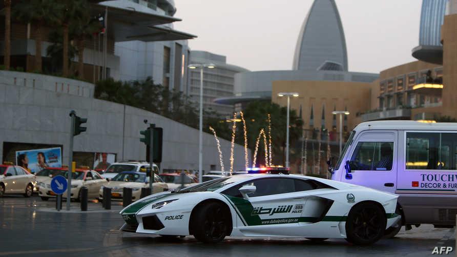 سيارة شرطة في دبي