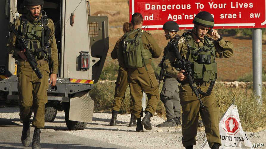 نقطة تفتيش موقتة للجيش الإسرائيلي عند مدخل بلدة يطا