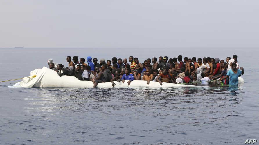 إنقاذ مهاجرين غير شرعيين في ليبيا