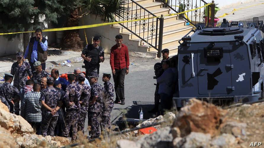القوى الأمنية الأردنية خلال الأمنية في السلط
