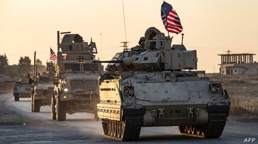 قافلة عسكرية أميركية في تل تمر بمحافظة الحسكة في شمال شرق سوريا في العاشر من نوفمبر 2019