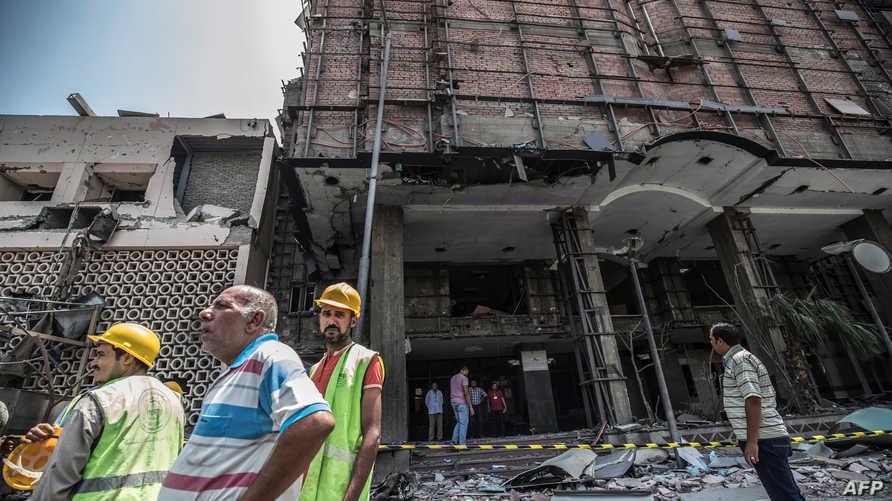 آثار الانفجار أمام معهد الأورام بمنطقة قصر العيني
