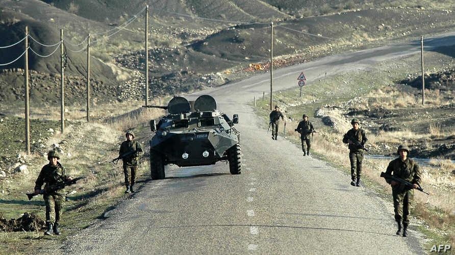 قوات تركية على الحدود مع العراق -أرشيف