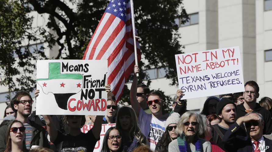 تظاهرة تضامنية مع اللاجئين السوريين في تكساس