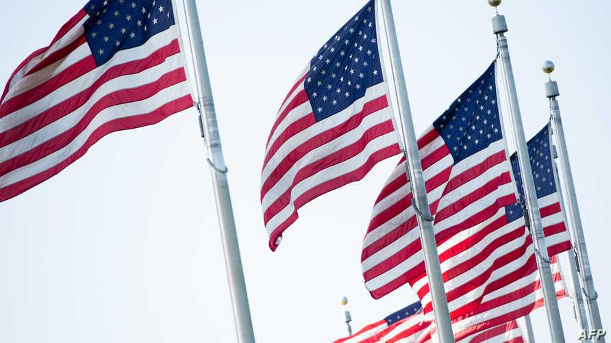 الأعلام الأميركية ترفرف عشية عيد الاستقلال