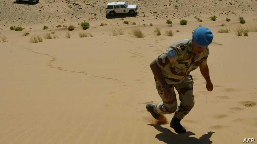 أحد عناصر مينورسو في الصحراء الغربية