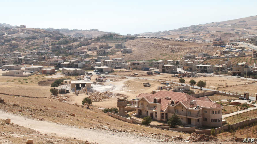منظر عام لمدينة عرسال اللبنانية على الحدود مع سورية - 2014